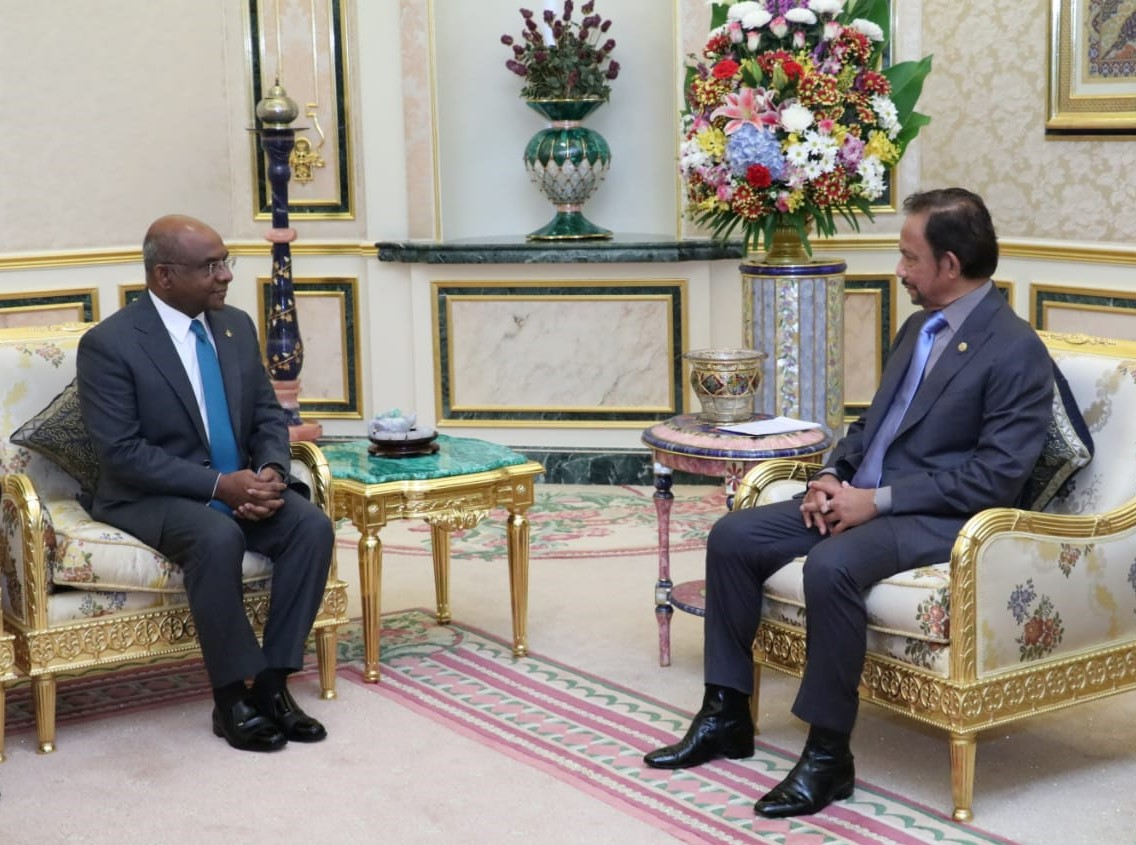 7 March 2020 - HIS MAJESTY THE SULTAN AND YANG DI-PERTUAN OF BRUNEI DARUSSALAM RECEIVES IN AUDIENCE HIS EXCELLENCY THE MINISTER OF FOREIGN AFFAIRS OF THE REPUBLIC OF MALDIVES